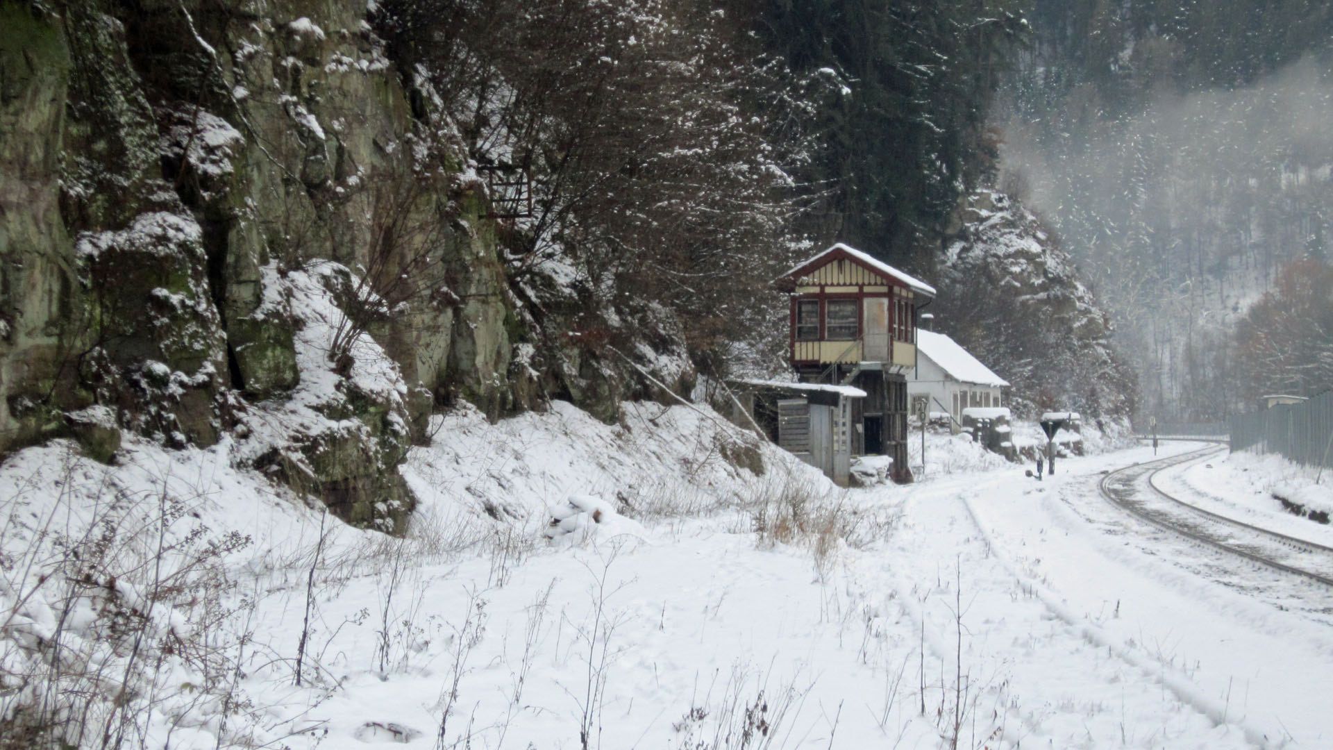 20 Das Stellwerk 2 im Schnee